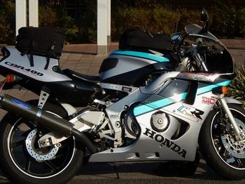 ホンダCBR400 (700x524).jpg