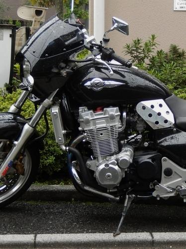 ホンダX4 (524x700).jpg