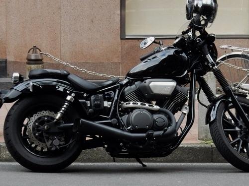 黒(700x526).jpg